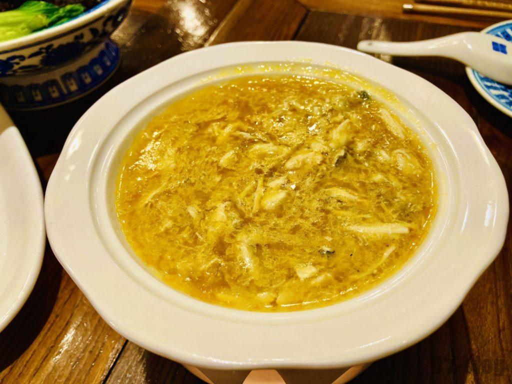 上海孔乙巳フカヒレ蟹味噌スープ