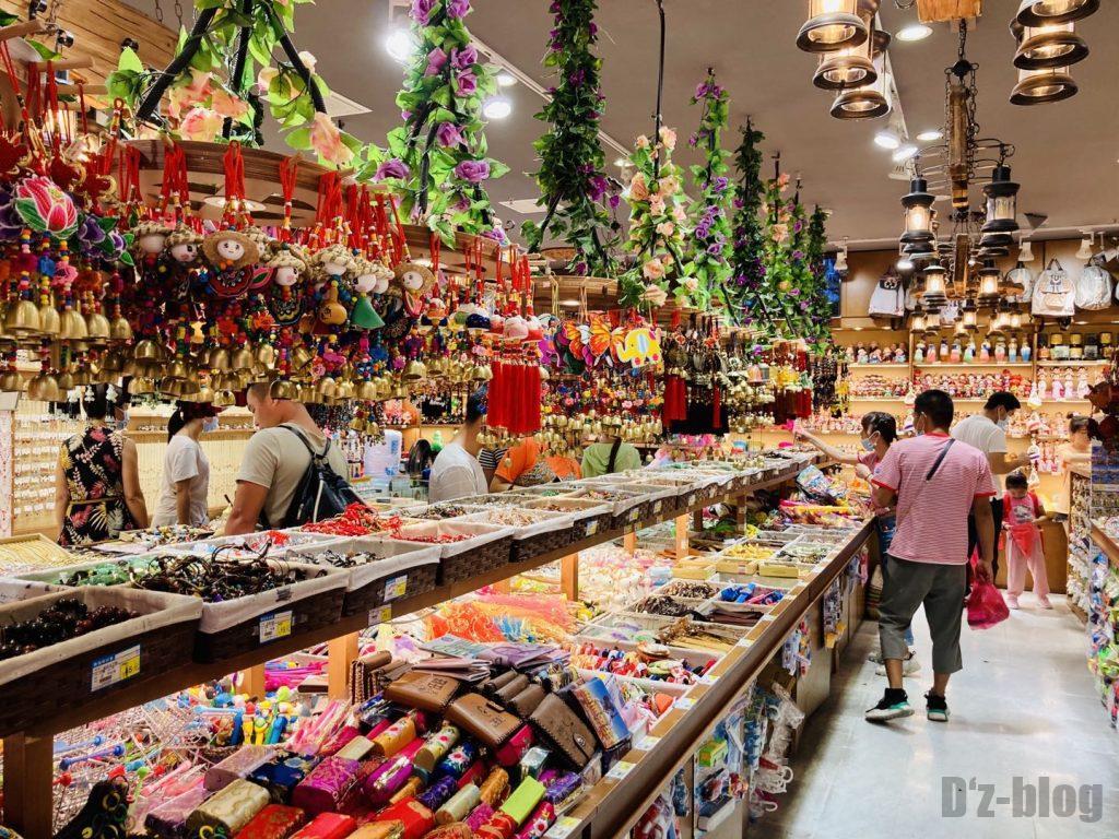 上海豫园土産屋店内全体