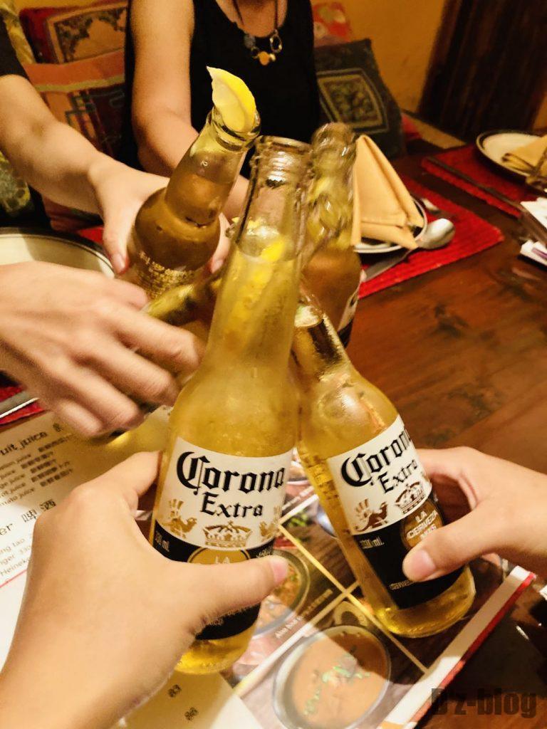 上海ネパールキッチンコロナビール