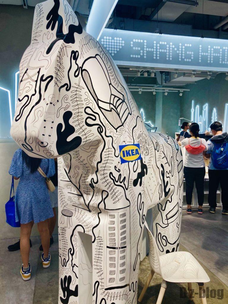 上海IKEA CITY イメージ銅像