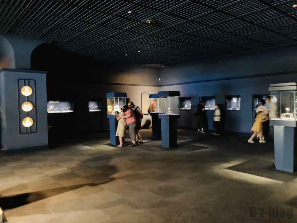 上海博物館玉器館内展示スペース