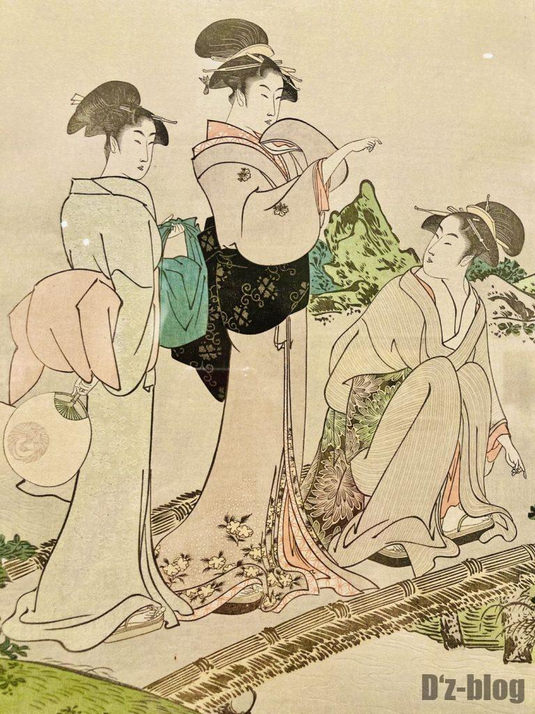 上海浮世絵景色について話す女性