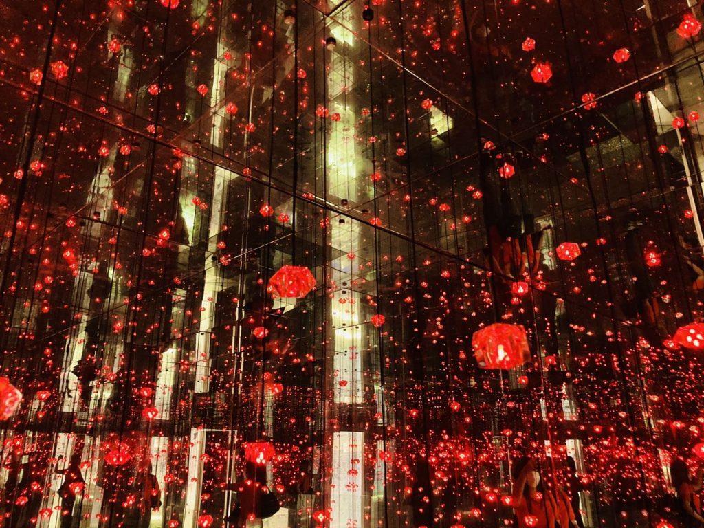 上海失恋博物館ランダムに光る蛍光灯