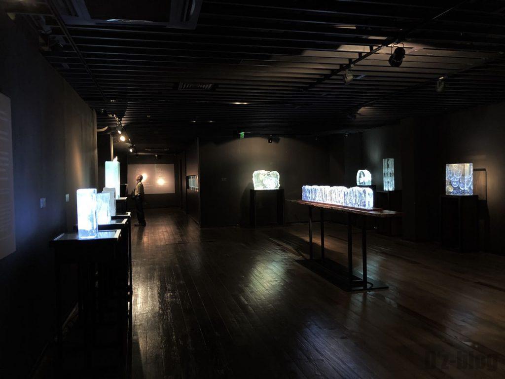 上海琉璃芸術博物館仏像作品内