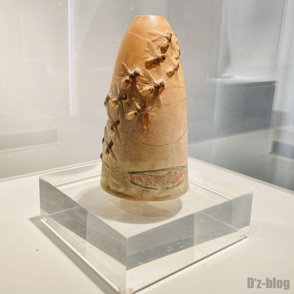 上海琉璃芸術博物館蜂の大群