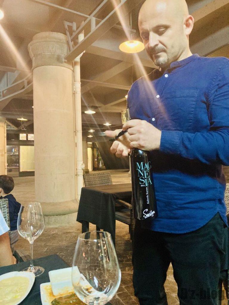 上海EFES TURKISH トルコ人とトルコワイン