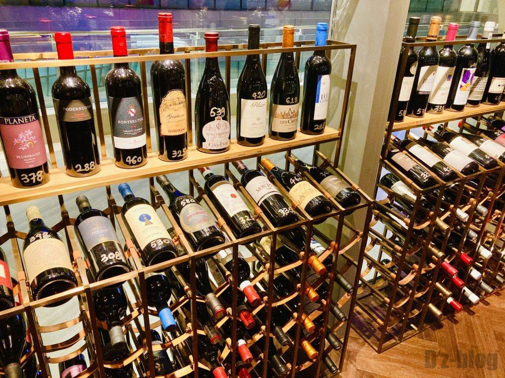 上海TapaTapa ワイン棚