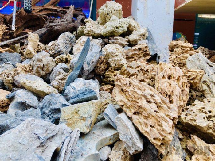 上海岚灵花鳥市場 水槽用の岩