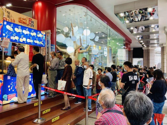 上海南京路歩行街 五店六店舗行列
