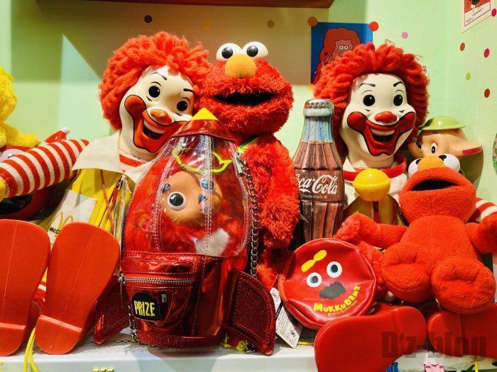 上海大満商店 ドナルドとエルモ人形