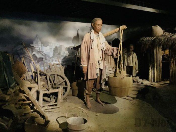 上海城市歴史発展陳列館 少数民族生活光景 男性
