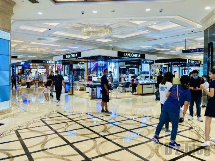 上海新世界大丸百貨店 館内1階