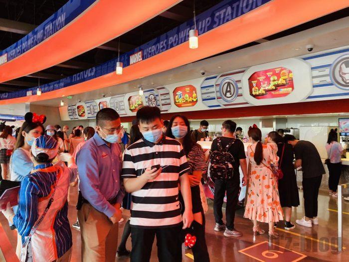 上海ディズニーランドスターゲイザーグリル店内
