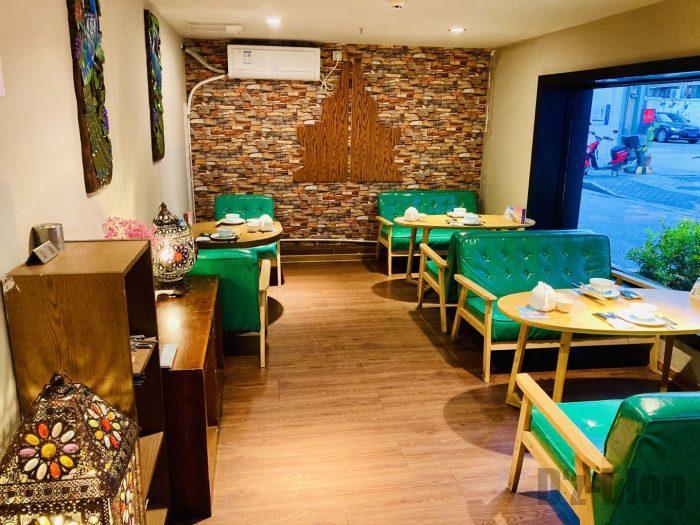 タイ料理テーブル席