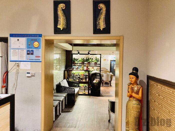 タイ料理店内