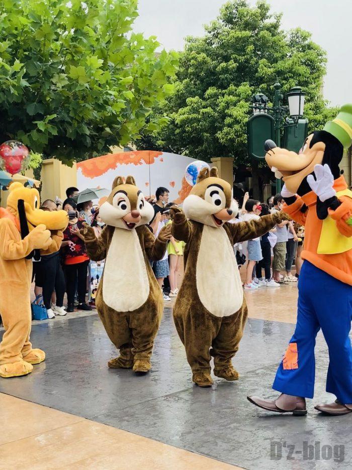 上海ディズニーランド午前パレードチップとデール