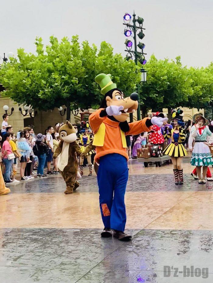 上海ディズニーランド午前パレードグーフィー