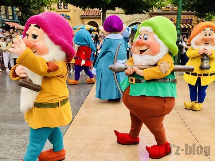 上海ディズニーランド午前パレード小人
