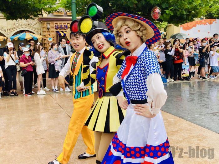 上海ディズニーランド午前パレード踊り子