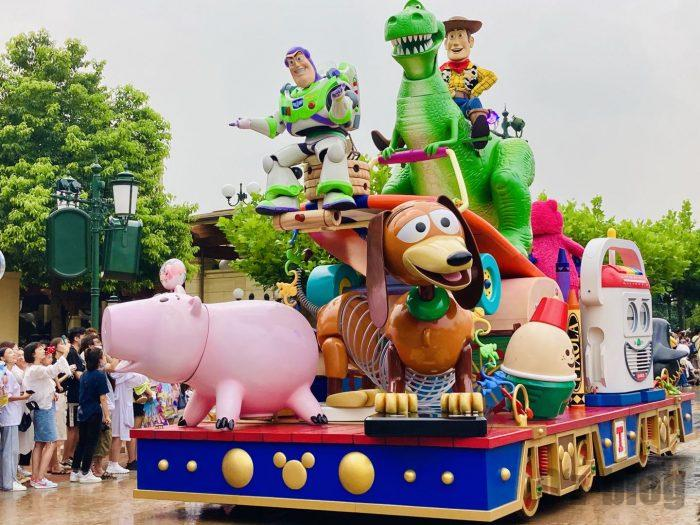 上海ディズニーランド午前パレードトイストーリーバズ達