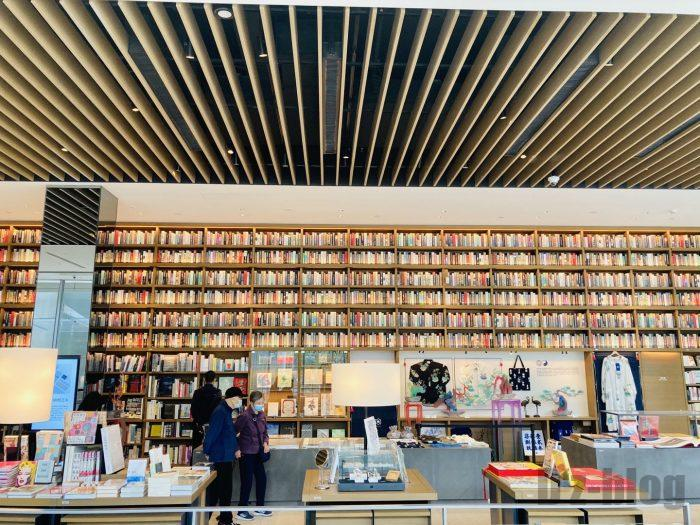 杭州TSUTAYA書店芸術フロア美術フロア本棚全体