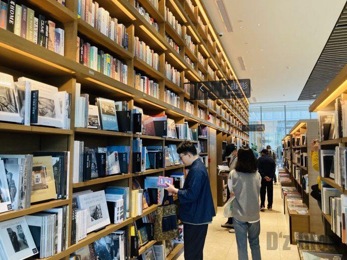杭州TSUTAYA書店撮影雑誌とファッション雑誌のフロア