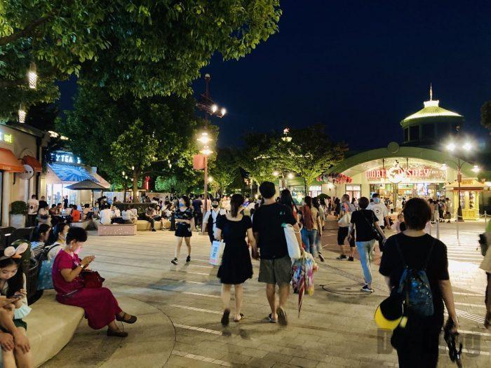 上海ディズニータウン夜全体