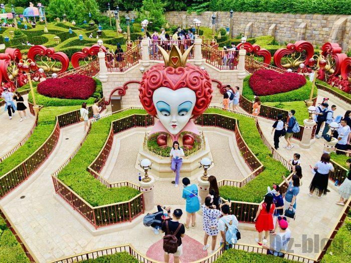 上海ディズニーランドアリスの迷路上から