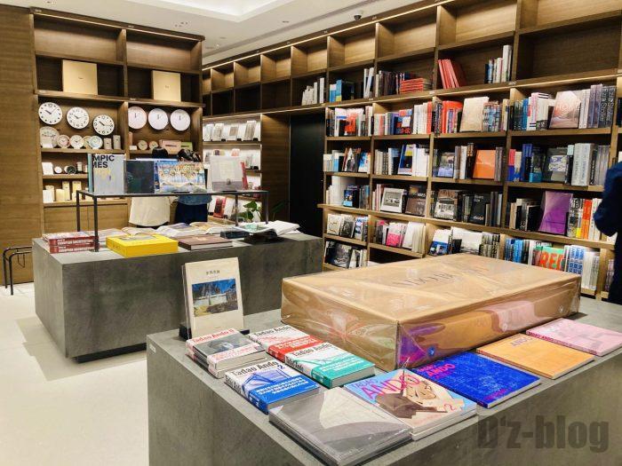 杭州TSUTAYA書店地下一階フロアディズプレイ