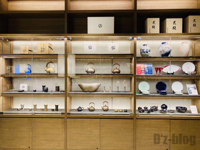 杭州TSUTAYA書店地下一階フロア和商品