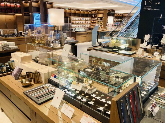 杭州TSUTAYA書店地下一階フロア雑貨アイテム全体