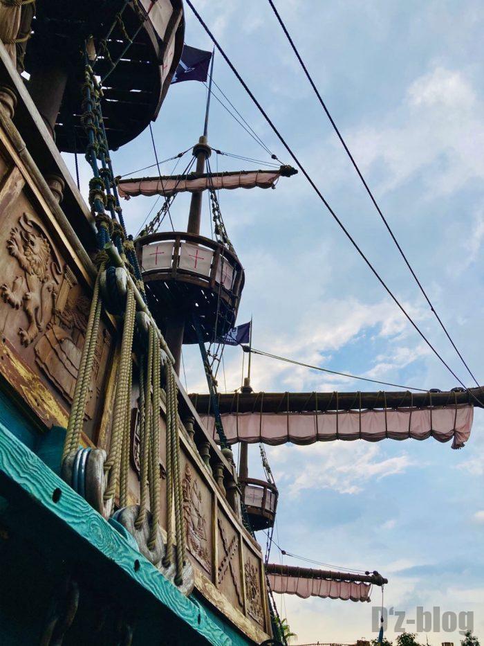 上海ディズニーランド海賊船下からの目線