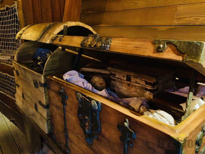 上海ディズニーランド海賊船内箱