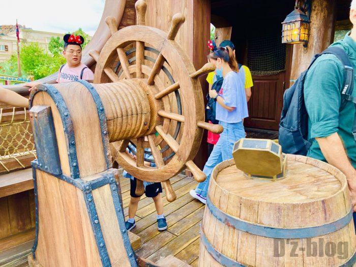 上海ディズニーランド海賊船内面舵