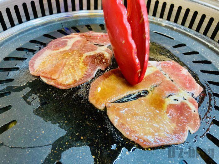 上海杨记齐齐哈尔烤肉.牛タン焼き