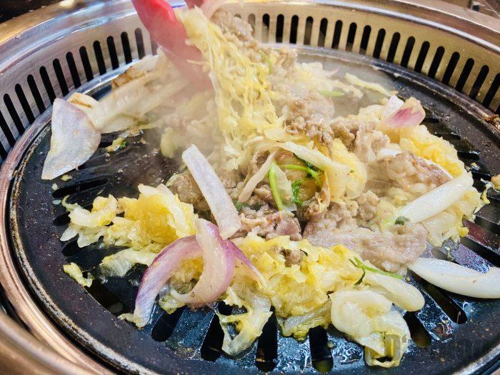 上海杨记齐齐哈尔烤肉.牛肉酸菜炒め