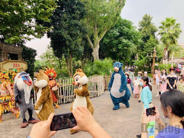 上海ディズニーランドチップとデール達演出