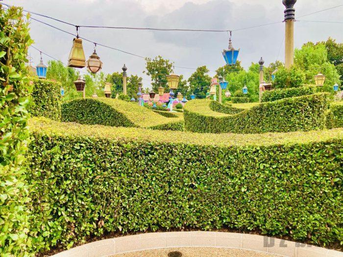 上海ディズニーランドアリスの迷路内