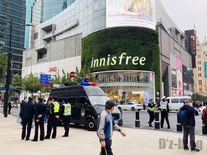 上海南京東路歩行者天国警備④