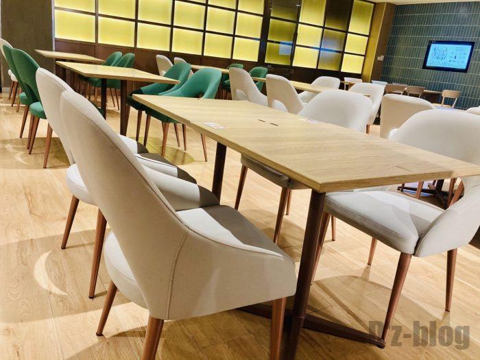 上海森ビル地下二階テーブル席⑧