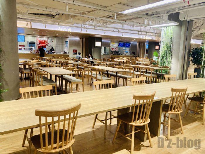 上海森ビル地下二階テーブル席全体4