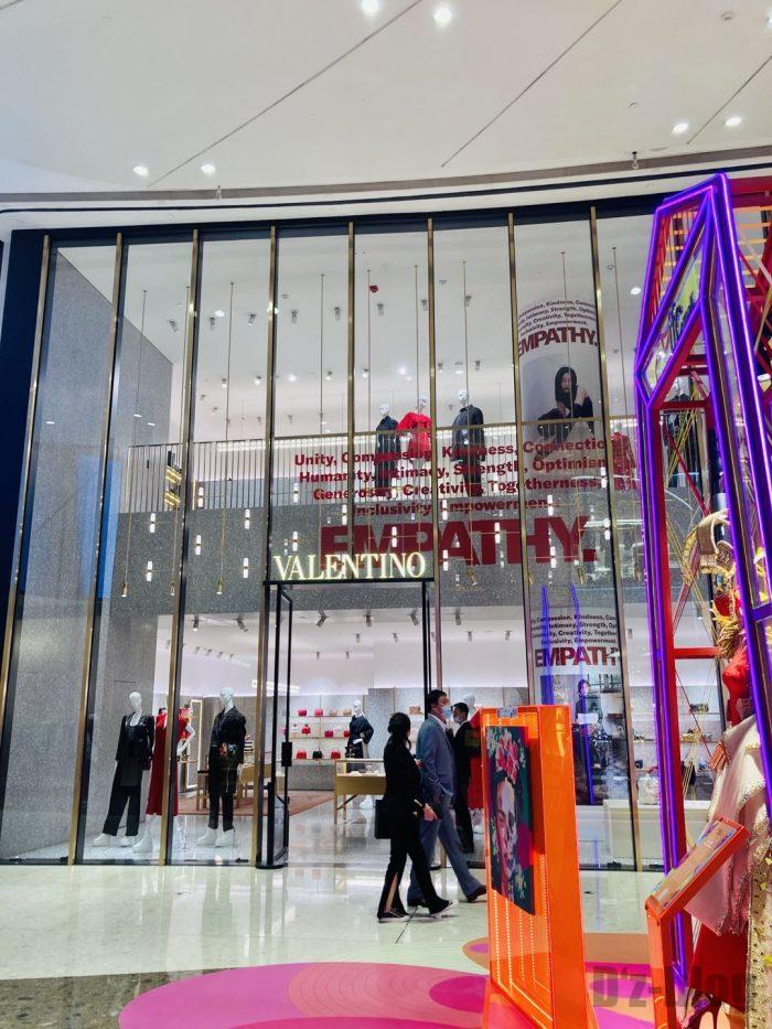 上海IFC百貨店VALENTINO