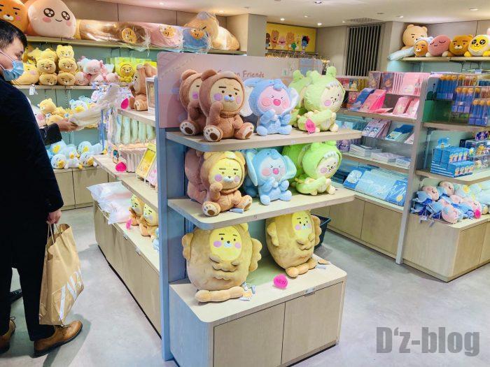 上海KAKAOFRIEND一階売り場