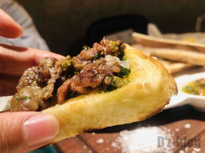 上海PashaTurkishRestaurant烤牛骨髄パン乗せ