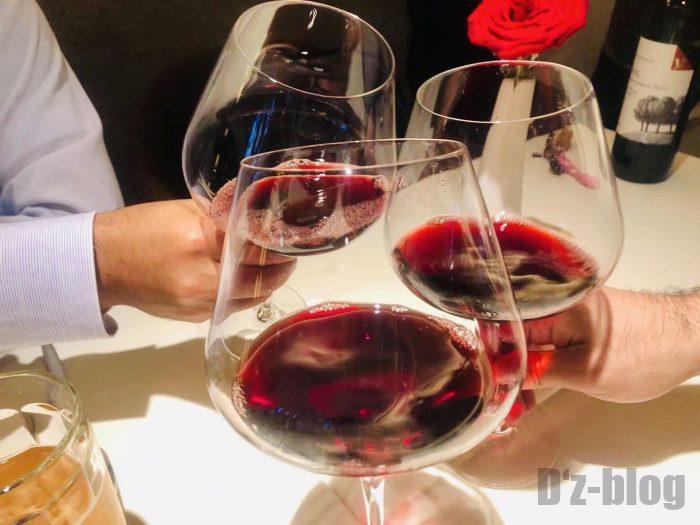 上海PashaTurkishRestaurant赤ワイン乾杯