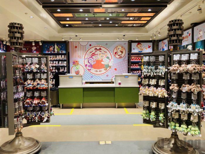 上海ディズニータウン土産屋店内102