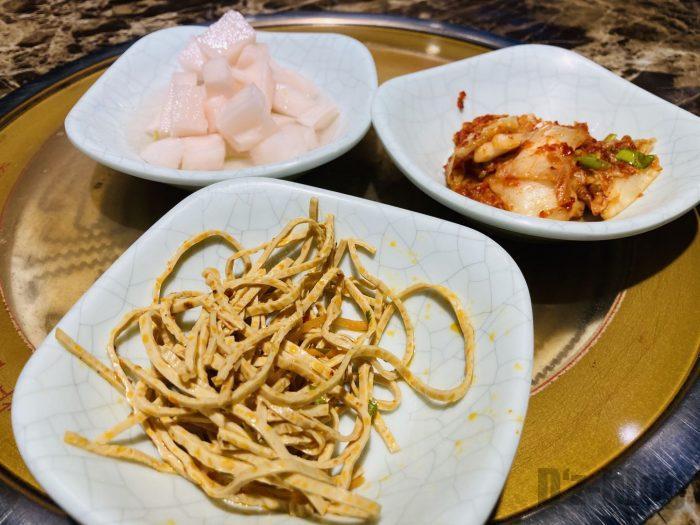 上海韓国料理屋猪牛羊サービス