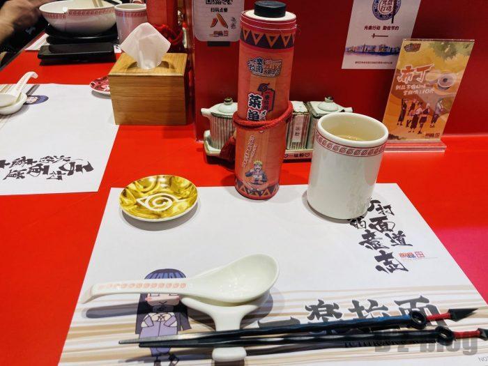 上海NARUTOラーメン一楽テーブルセット