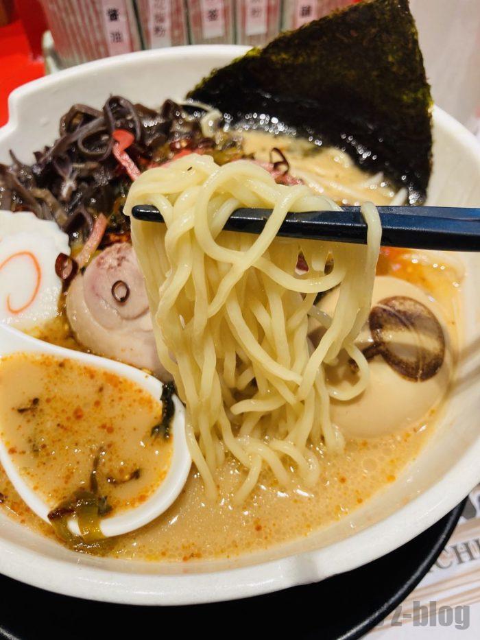 上海NARUTOラーメン一楽麺