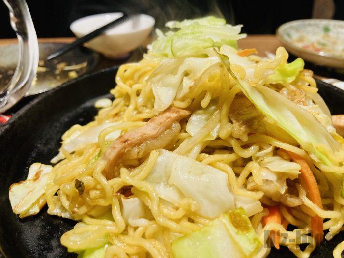 上海たけおホルモン塩焼き蕎麦